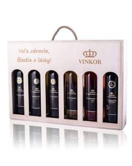 Darčeková drevená kazeta s venovaním (Veľa zdravia, šťastia a lásky) na 6 fľiaš vína, obsahuje logo vinárstva Vinkor z Malých Karpát